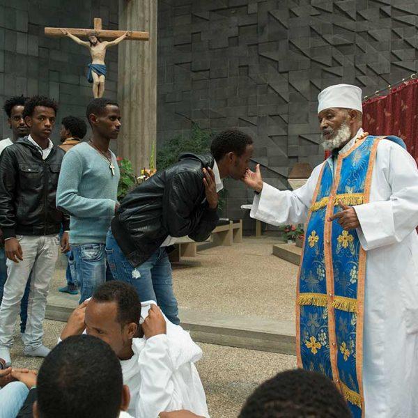 Wege nach Deutschland, Eritreischer Gottesdienst © Gustavo Alàbiso